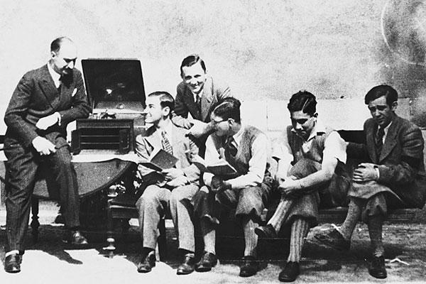 1937: Fremdsprachenlernen mit Phonograph