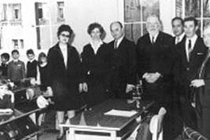 Frau Moritz und Dr. I. E. Lichtigfeld bei der Eröffnung